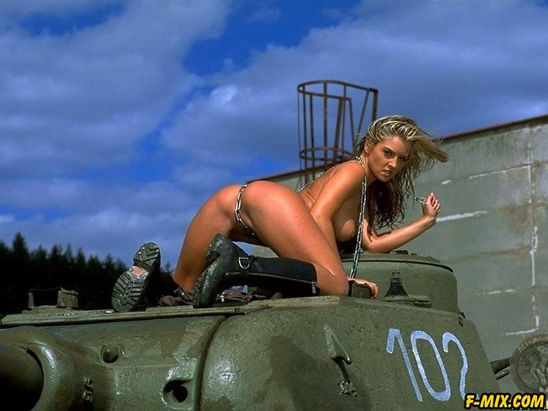 Erotic Nude Girls